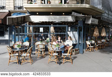 Paris, France-june 21 , 2021 : Cafe Les Deux Theatres Is Traditional French Cafe Located In Les Hall