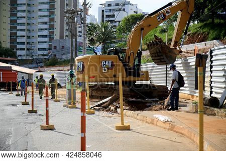 Construction Of An Exclusive Lane For Brt