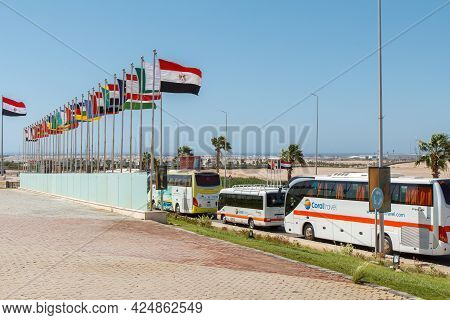 Sharm El Sheikh, Egypt - June 3, 2021: Tourist Buses On Peace Square In Sharm El Sheikh City In Egyp