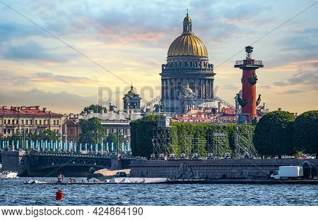 Saint-petersburg, Russia - June 25, 2021 : Panorama Of St. Petersburg View From The Neva River. Frag