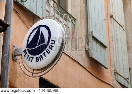 Bordeaux , Aquitaine France  - 06 20 2021 : Petit Bateau Kids Fashion Store Sign Text Small Boat Log