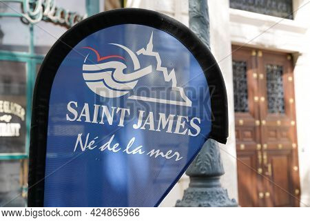 Bordeaux , Aquitaine France  - 06 20 2021 : Saint James Logo Brand And Sign Text Of Marine Boat Sea