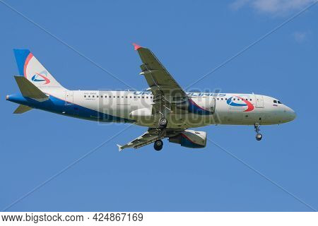 Saint Petersburg, Russia - May 29, 2021: Airbus A320-214 (vq-bre) Of Ural Airlines On The Glide Path