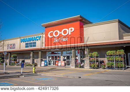 Calgary, Alberta - May 29, 2021: Exterior View Of The Calgary Co-op Grocery Store.