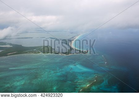Cancun Beach And Hotel Zone Aerial View, Viewed From An Airplane, Cancun, Quintana Roo Qr, Mexico.
