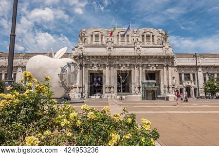 Milan, Italy - 06 23 2021: The Square With Flowers Of The Central Railway Station Of The City Of Mil