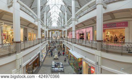 Providence, Usa - September 22, 2017: People Enjoy Shopping In Open Shopping Mall In Providence, Usa