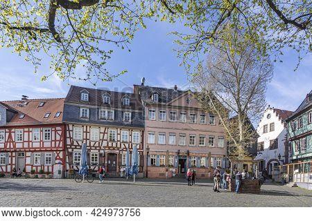 Frankfurt, Germany - April 24, 2021: People Enjoy A Warm Spring Day At The Old Historic Market Squar