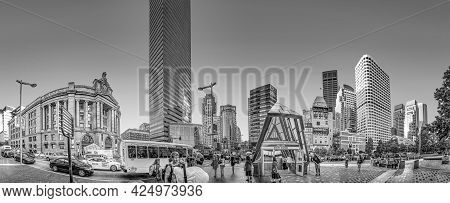 Boston, Usa - September 12, 2017: People And Traffic At South Station In Boston. Modern And Historic