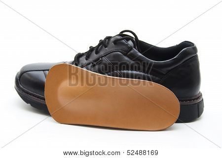 Men shoe with insole