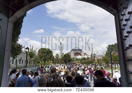Tourists At The Blue Mosque Of Istanbul