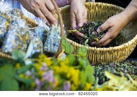 Homegrown Dry Herbs