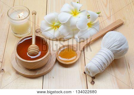 honey and spa treatment - beauty treatment