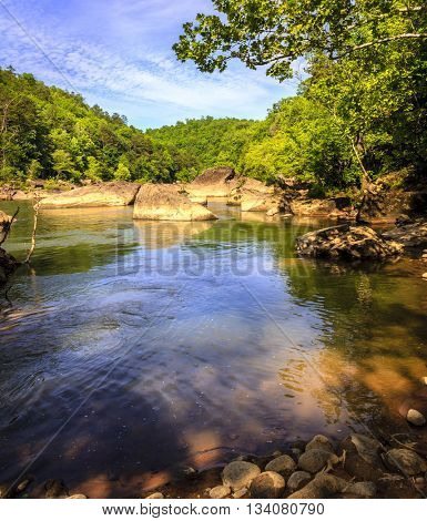 Scenic view of Cumberland River in Daniel Boone National Forest in Southern Kentucky