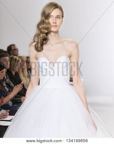 Christian Siriano For Kleinfeld - Bridal Spring/summer 2017 Runway Show