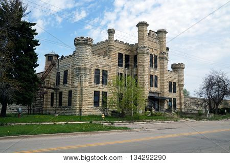 The former women's building of the old Illinois State Penitentiary, built in 1896, now abandoned.