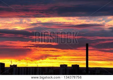 dark city horizon silhouette at the sunset