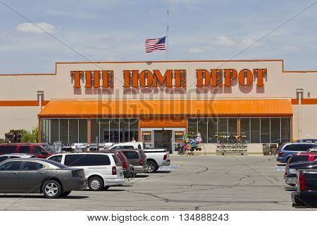 Logansport IN - Circa June 2016: Home Depot Location. Home Depot is the Largest Home Improvement Retailer in the US II