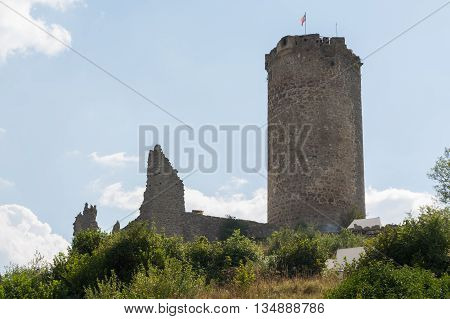 castle ruin Waxenberg - featured remains - Austria