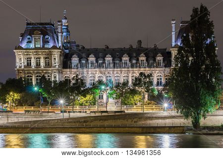 The Hotel de ville of Paris is the building housing the city's local administration.Standing on the place Hotel de ville in the 4th arrondissement it has been the headquarters of the municipality of Paris since 1357.