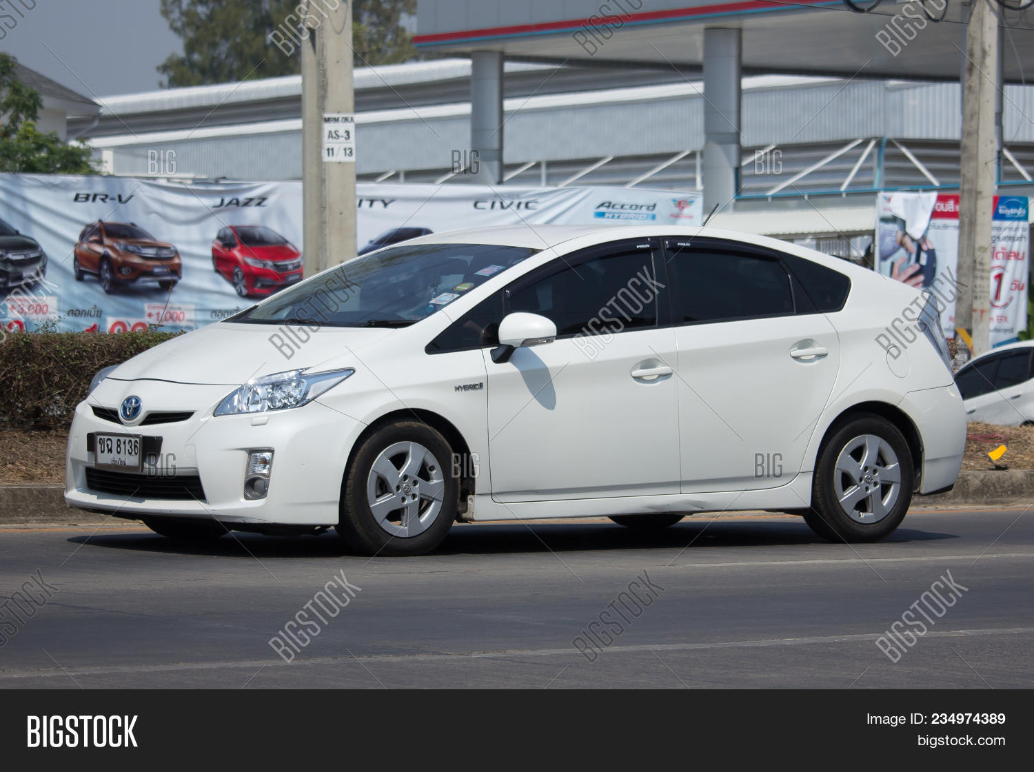 Chiang Mai Thailand March 13 2018 Private Car Toyota Prius Hybrid System On Road No 1001 8 Km From Chiangmai Business Area