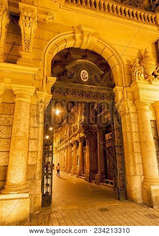 The Passage Of Lodares (spanish: Pasaje De Lodares) Is An Early 20th Century Passage Located In Alba
