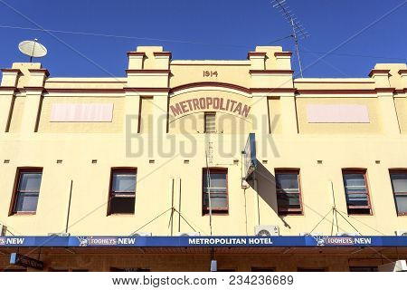 West Wyalong, Australia - March 13, 2018:  View Of The Iconic Metropolitan Hotel, An Outback Pub Bui