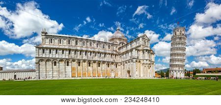 Cathedral and the Leaning Tower in Piazza dei Miracoli, Pisa, Italy.