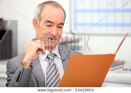 Recruiter reading job application