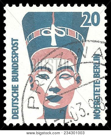 Germany - Circa 1994: Stamp Printed By Germany, Edition On Royal Families, Shows Nefertiti Bust, Cir