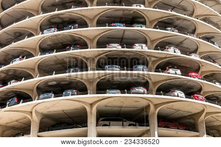 Chicago, Illinois, Usa - April 13, 2012: View Of Tower Of The Marina City Building Complex With Its