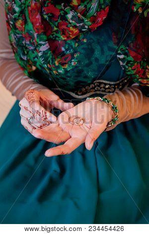 Muslim Wedding Bride Hand. Bride Henna Carved Beautiful And Unique. Muslim Wedding
