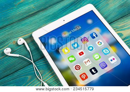 Sankt-petersburg, Russia, April 2, 2018: Apple Ipad Pro With Icons Of Social Media Facebook, Instagr