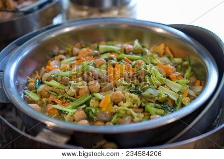 Chicken Mushrooms With Chunks Of Carrots And Broccoli Vegetable Asian Cuisine Dishes