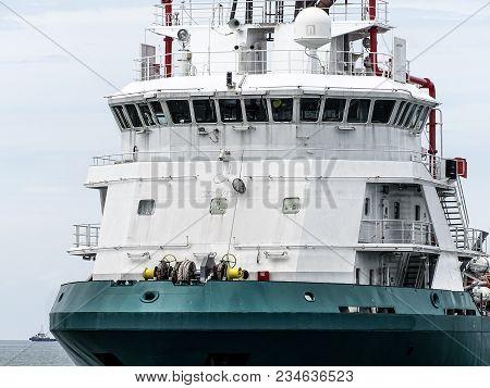 Navigation Bridge On Platform Supply Vessel (psv) Offshore Support Vessel,ready To The Offshore Oil