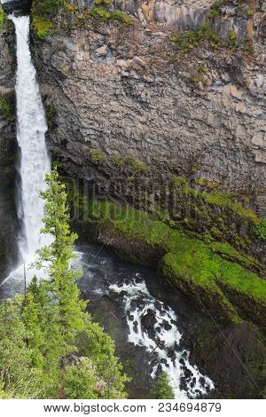 Spahats Falls Is A Popular Tourist Destination In Wells Gray Provincial Park Clearwater British Colu