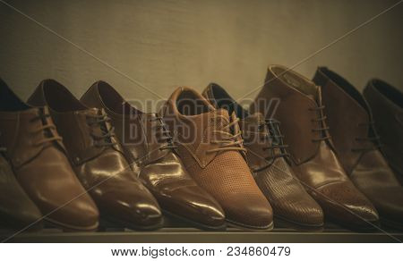 Row Of Leather Mens Shoes. Mens Shoes, Boot Sell In Store, Boutique, Shopping Mall. Mens Shoes Conce