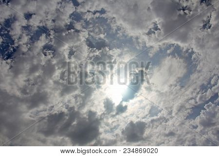 Overcast Cloudy Sky. The Sun Behind The White Clouds, The Sky In The Clouds, The Cloudy Sky Backgrou