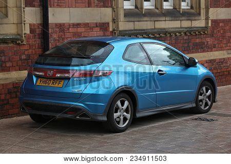 Leeds, Uk - July 11, 2016: Honda Civic Type S Blue Compact Hatchback Car Parked In Leeds, Yorkshire,