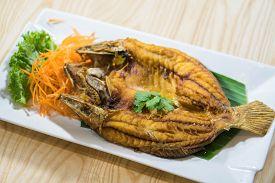 Deep Fried Shrimp Platter With Tamarind Sauce.
