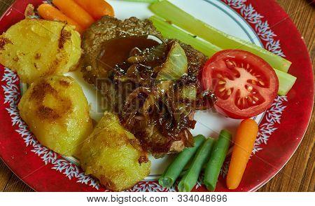Venison Escalopes With Caramelised Onion Gravy