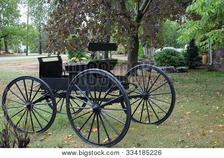 This Antique Amish Two-seater Courting Buggy Is A Style Used For Transportation In States Such As Pe
