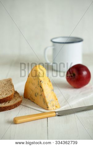 English Shropshire Blue Cheese With Wholemeal Bread And Apple
