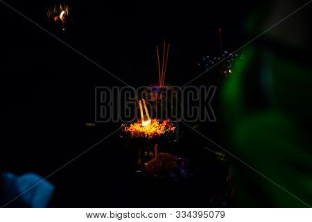Loykratong Festival In Thailand People Come Out To Loi Krathong To Ask For Blessings From Phra Mae K