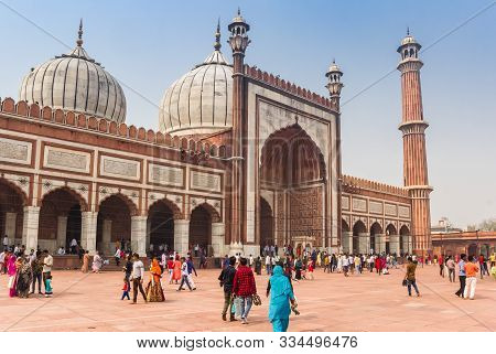 New Delhi, India - October 28, 2019: Domes And Minaret Of The Jama Masjid Mosque In New Delhi, India