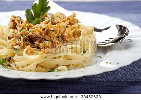 Spaghetti With Tuna Fish And Parsley