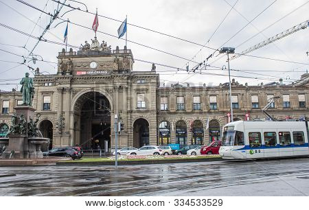 Zurich, Switzerland - May 10, 2018: Zurich Railway Station. Streets Of Zurich. Tram In Zurich