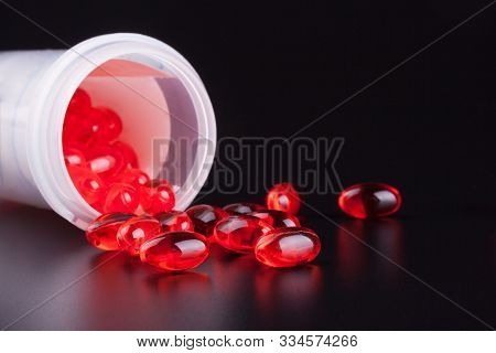 Ducosate Laxative Red Pills To Treat And Prevent Constipation