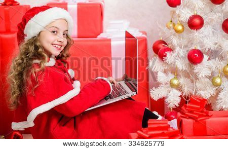 Online Santa. Send Message To Santa Claus. Christmas And New Year Holiday. Writing Letter To Santa C