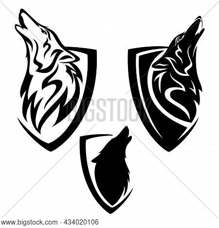 Howling Wolf Head And Simple Heraldic Shield - Guard Insignia Badge Modern Black And White Vector De